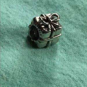 🌟 PANDORA gift charm - silver